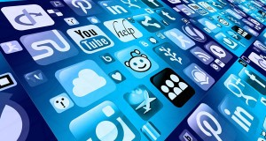 ¿Es recomendable embeber las redes sociales en mi web para posicionamiento SEO?